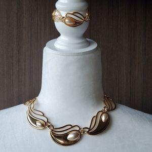 Napier vintage necklace and bracelet set